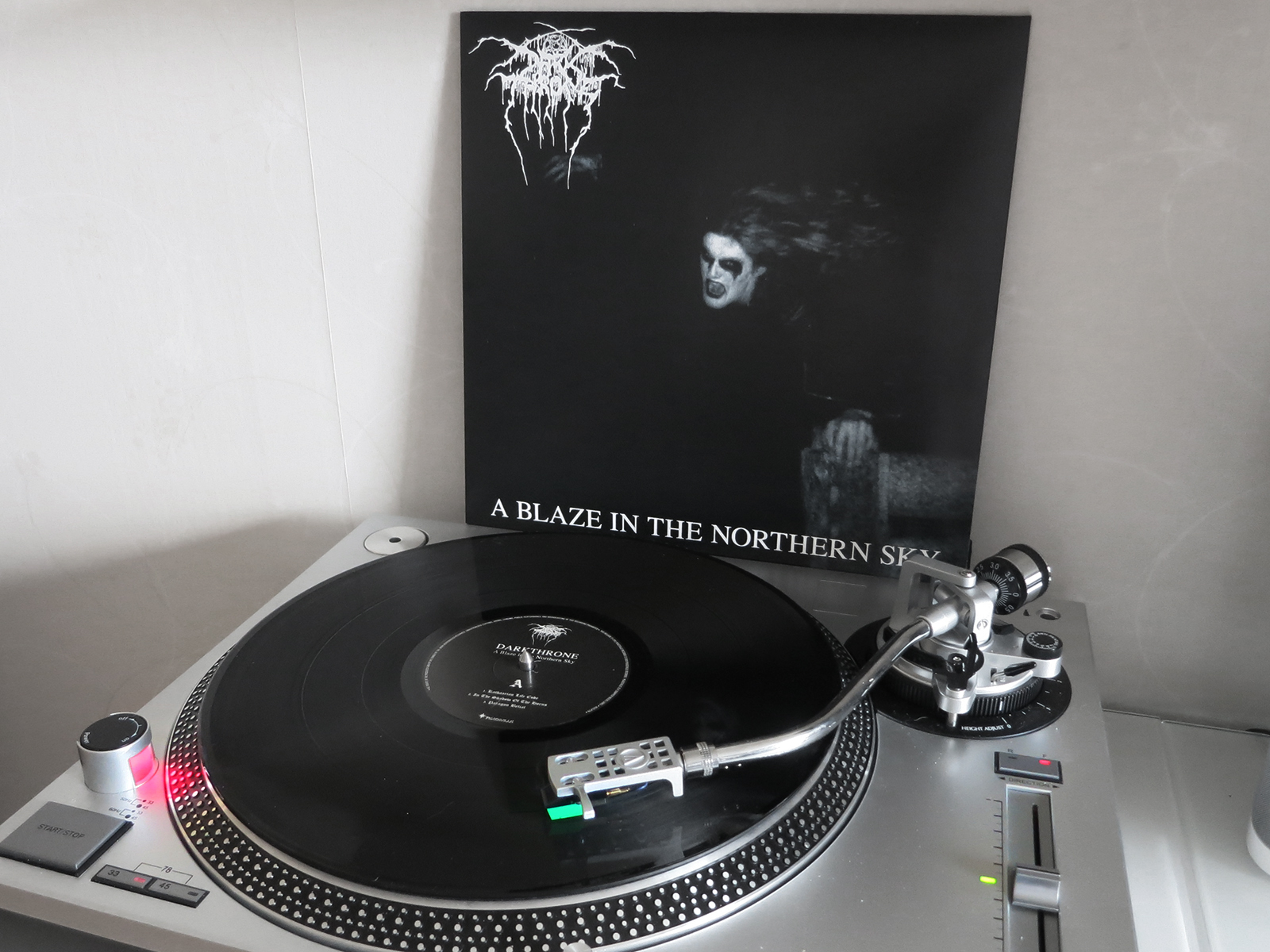 Darkthrone – A Blaze In The Northern Sky